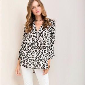 Entro Leopard Print V Neck Tunic Size Small